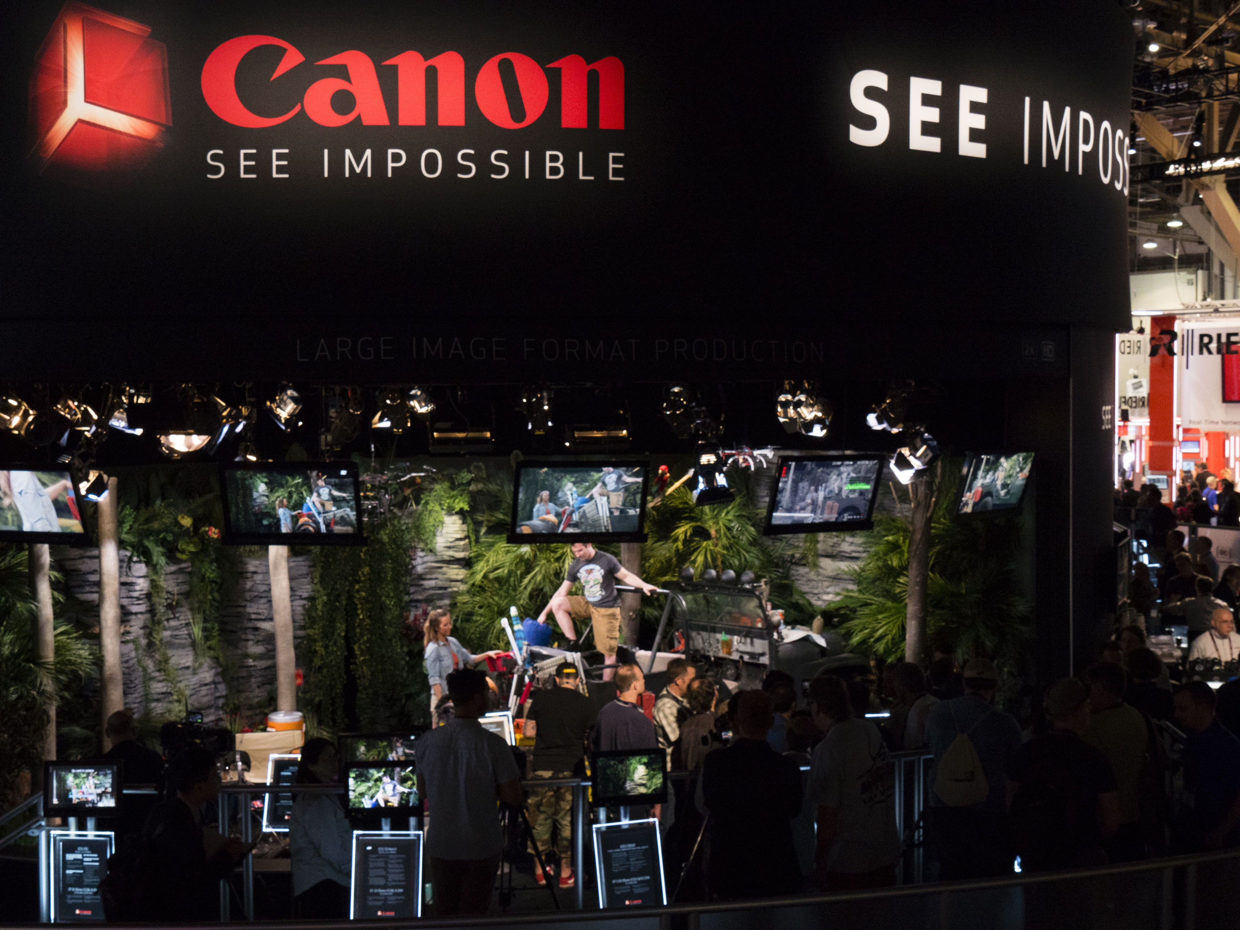 CanonBooth